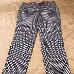 Very cute ankle pants a very navy and cream color